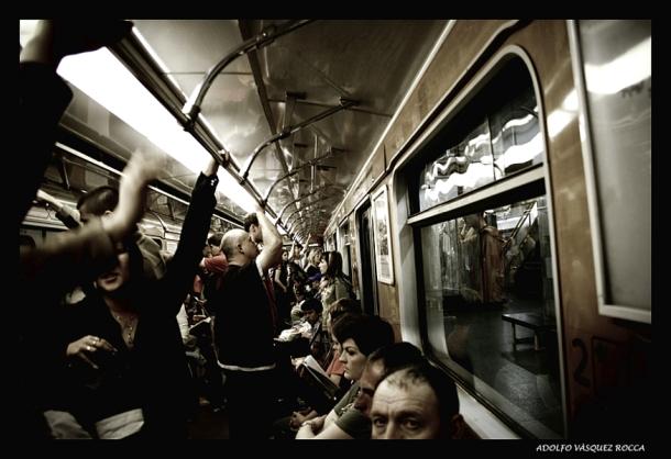 Foto _ Ciudad y No lugares_ metro under _ by Adolfo V?ísquez Rocca