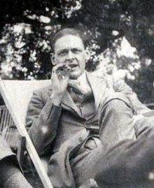 220px-T_S__Eliot,_1923
