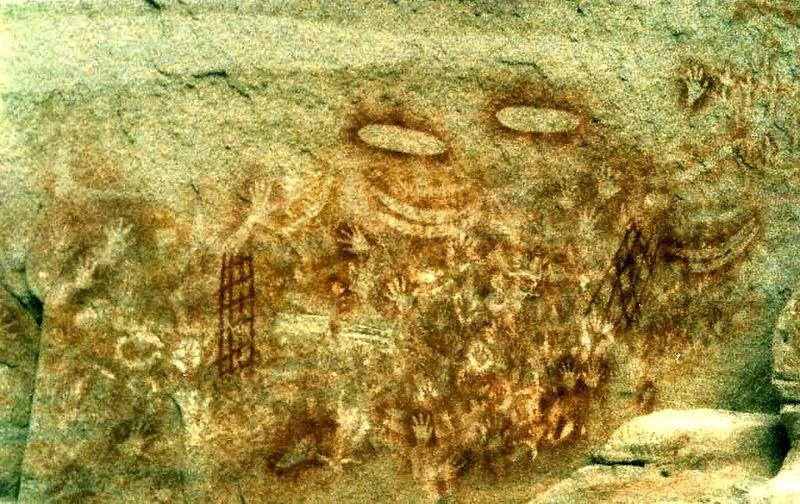800px-Aboriginal_art_Carnarvon_Gorge