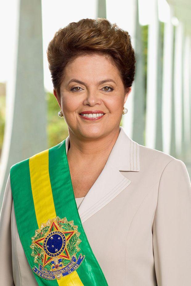 640px-Dilma_Rousseff_-_foto_oficial_2011-01-09