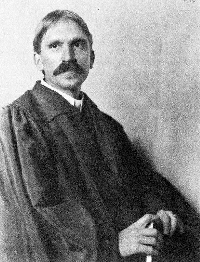 640px-John_Dewey_in_1902