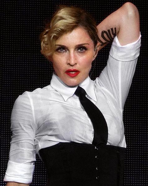 Madonna_à_Nice_30_2