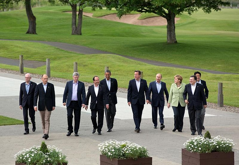 800px-Ten_leaders_at_G8_summit,_2013