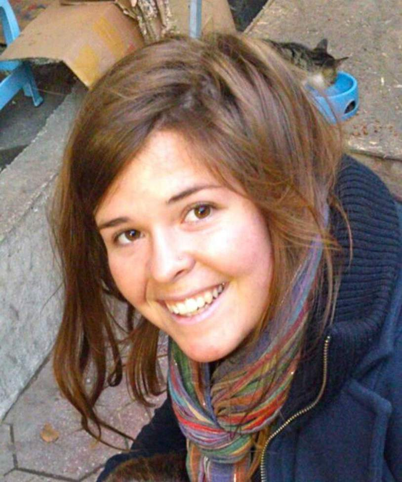 Kayla Mueller, 26, an American humanitarian worker from Prescott, Arizona is pictured in this undated handout photo obtained by Reuters February 6, 2015.  The Islamic State militant group said February 6, 2015 that Mueller, who it claimed it held hostage in Syria, had been killed when Jordanian fighter jets hit a building where she was being held, according to the SITE monitoring group. Kayla Mueller was abducted in Aleppo, Syria in August 2013.  REUTERS/Mueller Family/Handout via Reuters  (UNITED STATES - Tags: POLITICS CONFLICT TPX IMAGES OF THE DAY) THIS IMAGE HAS BEEN SUPPLIED BY A THIRD PARTY. IT IS DISTRIBUTED, EXACTLY AS RECEIVED BY REUTERS, AS A SERVICE TO CLIENTS. FOR EDITORIAL USE ONLY. NOT FOR SALE FOR MARKETING OR ADVERTISING CAMPAIGNS. NO ARCHIVES. NO SALES