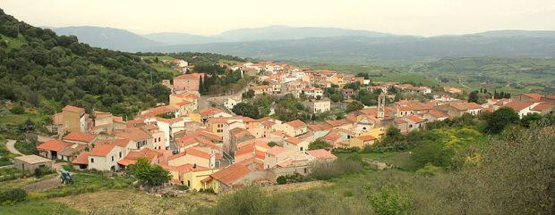 Panoramic view of Laerru by Francesco Canu . Source Wikipedia in English