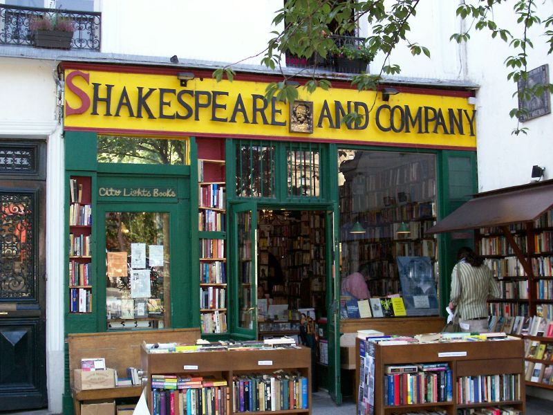 01_Shakespeare_and_Company