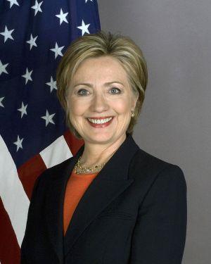800px-Secretary_Clinton_8x10_2400_1