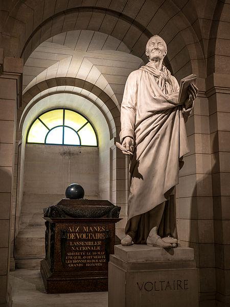 Tombeau_et_statue_de_Voltaire,_Paris_8_juin_2014