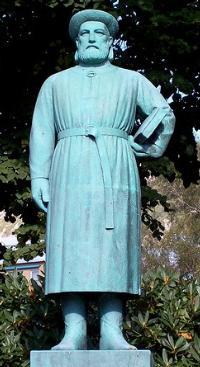 SnorriSturluson_Statue_w200_2352