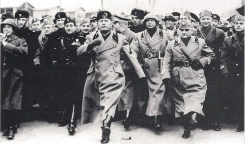 1938-addestramento-al-passo-romano