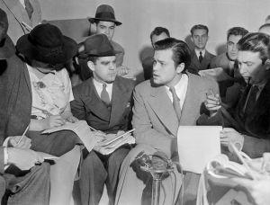Orson_Welles_War_of_the_Worlds_1938