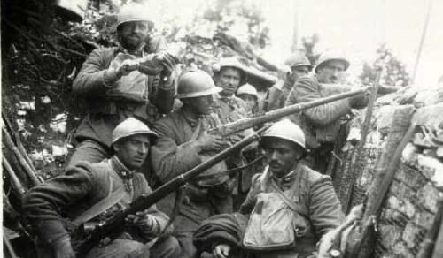 reparto-della-brigata-sassari-in-trincea