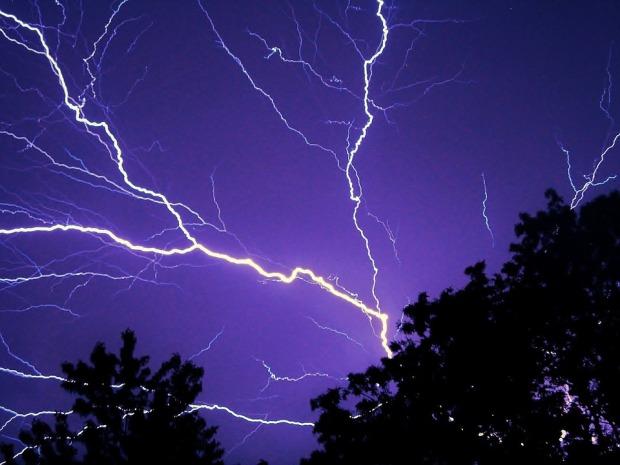 lightning-583713_960_720