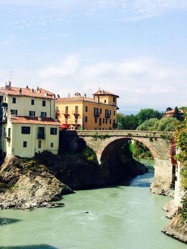 Ponte_Vecchio_Ivrea (1).jpg