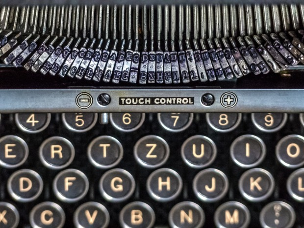 typewriter-3024391_960_720
