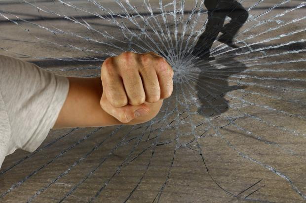 violent-1166556_960_720.jpg