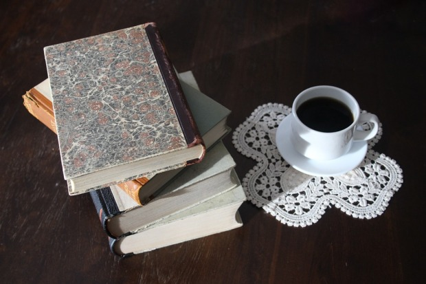 books-1035087_960_720 (1)