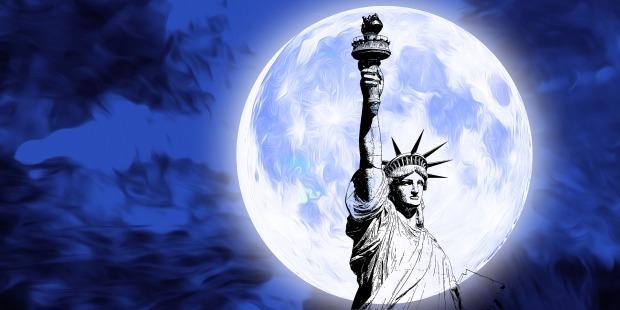 moon-5075042_1920